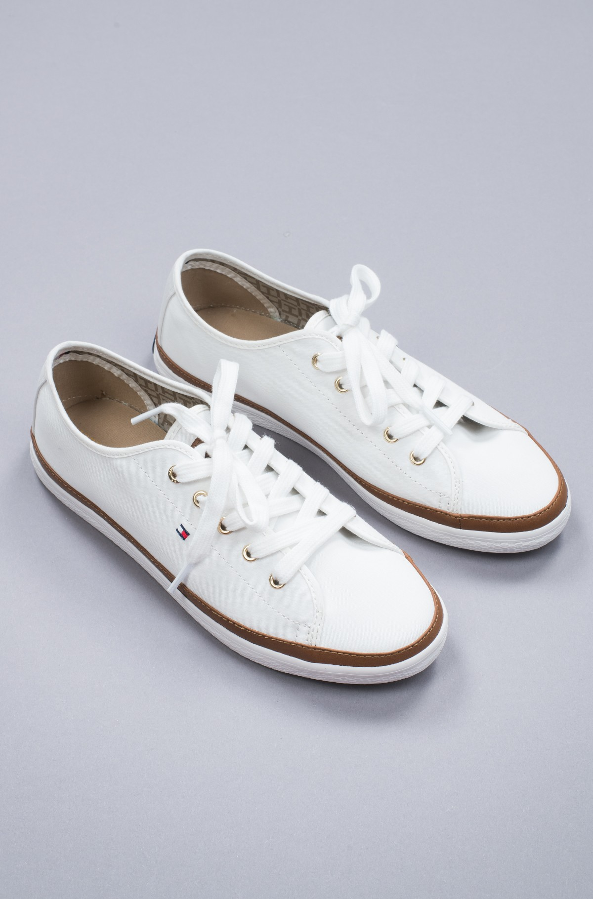 Sportiniai drabužiai Iconic Kesha Sneaker-full-2