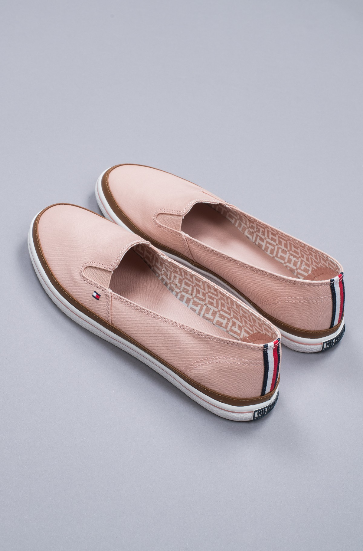 Sportbačiai Iconic Kesha Slip On-full-4