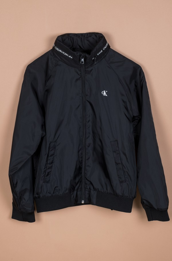 ESSENTIAL LIGHT JACKET