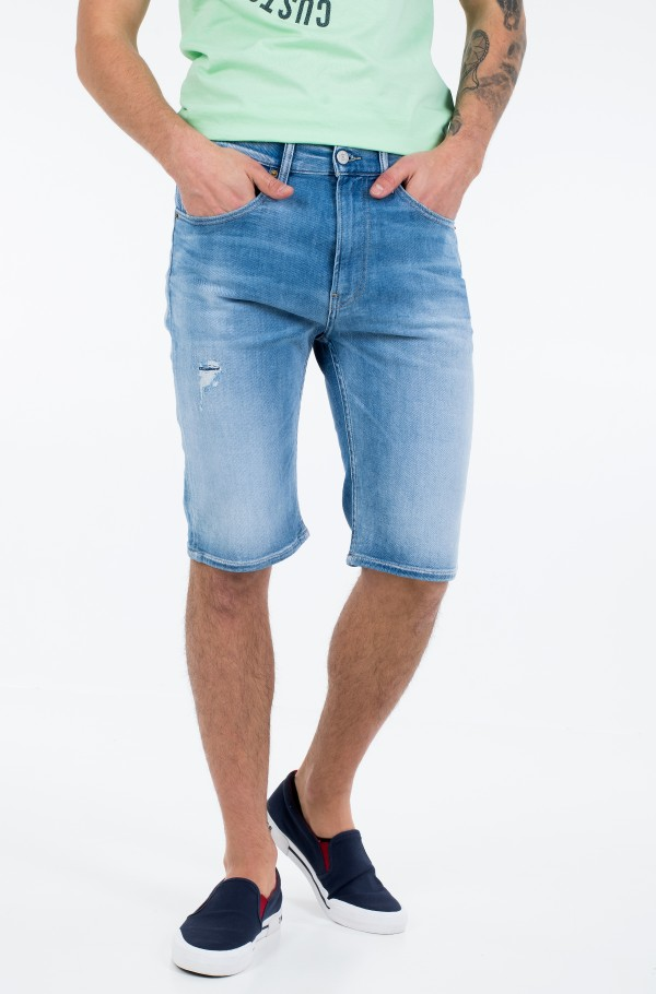 REY RELAXED SHORT QNCLD