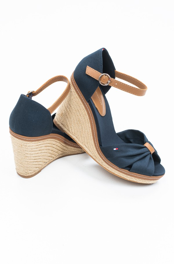 ICONIC ELENA SANDAL-hover
