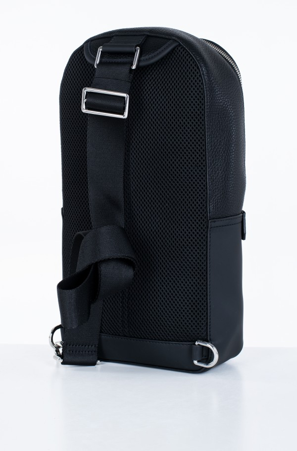 TH DOWNTOWN SLINGPACK-hover
