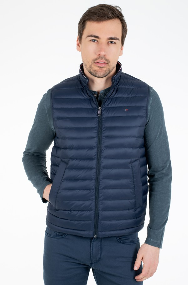 CORE PACKABLE DOWN VEST-hover