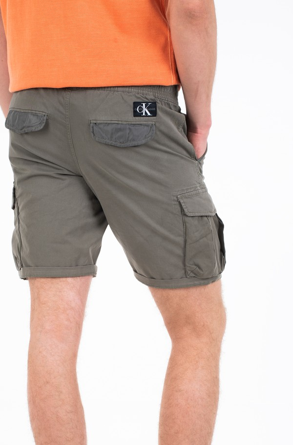 SIMPLE WASHED CARGO SHORT-hover