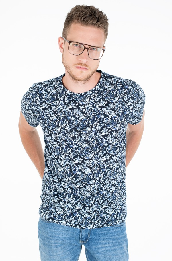 ALL OVER LEAF PRINT TEE