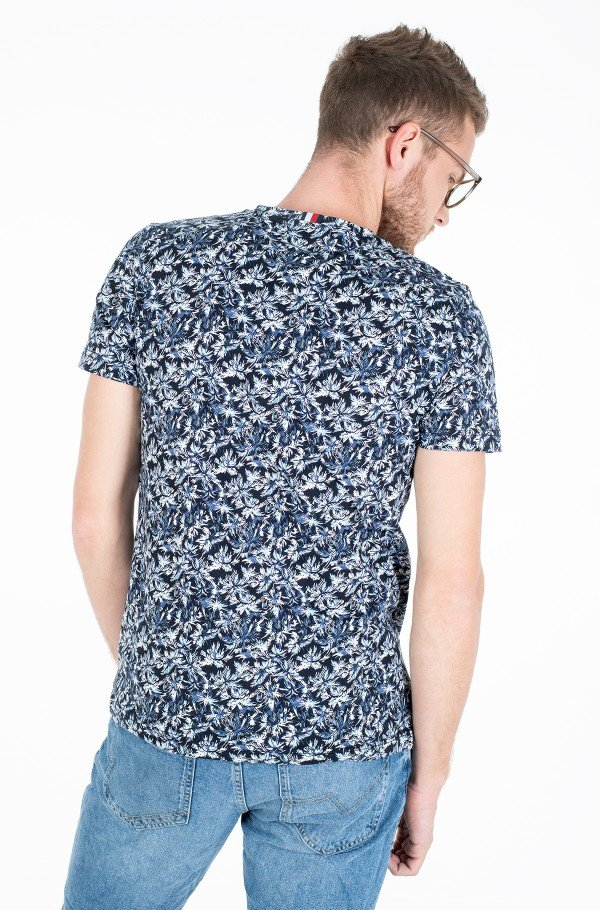 ALL OVER LEAF PRINT TEE-hover