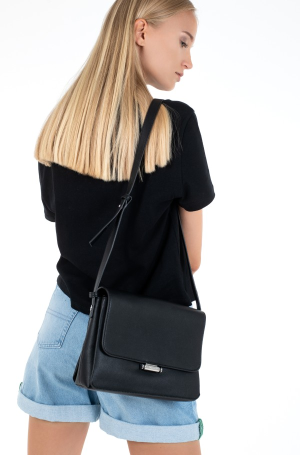 CK RETRO SHOULDER BAG MD