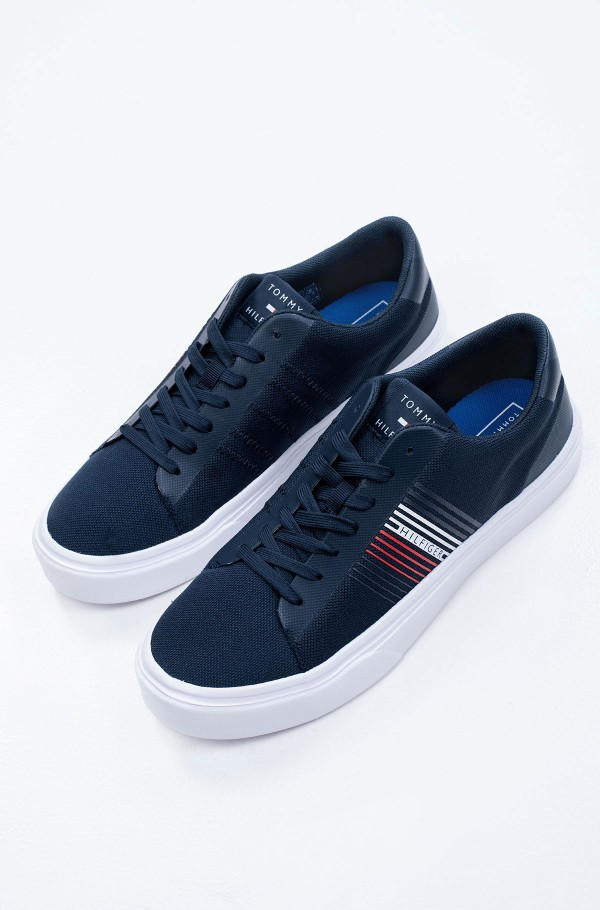 LIGHTWEIGHT STRIPES KNIT SNEAKER