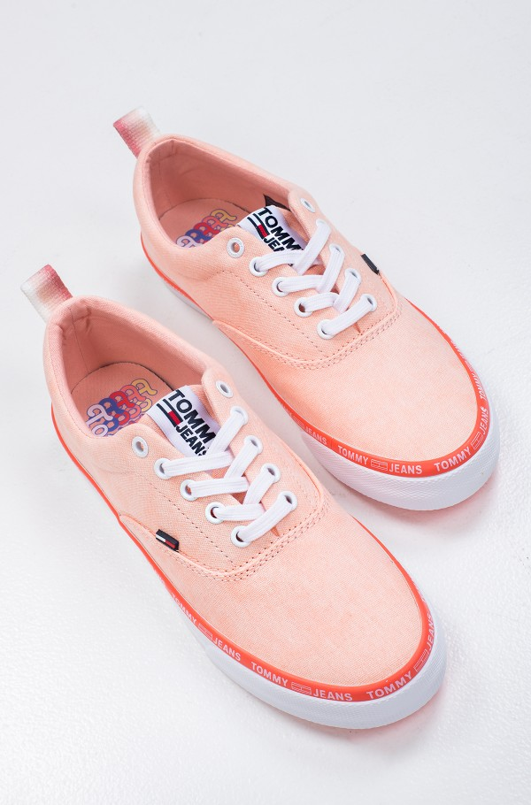 PASTEL COLOR LACE UP SNEAKER