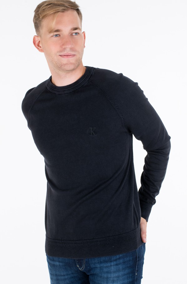 GMD ESSENTIAL CREW NECK SWEATER