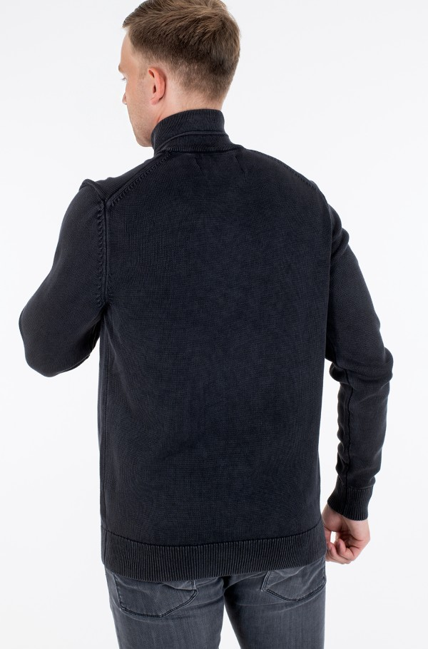 GMD ESSENTIAL ZIP UP SWEATER-hover