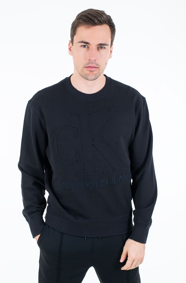 EMBOSSED FASHION CREW NECK