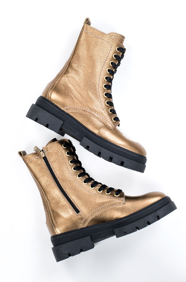 RUGGED CLASSIC METALLIC BOOTIE