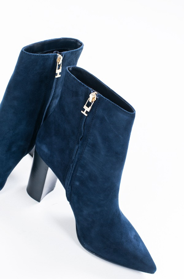 ESSENTIAL SUEDE HIGH HEEL BOOT