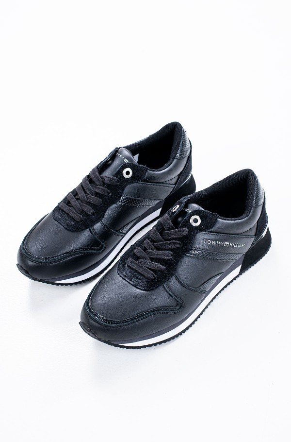 CORPORATE FEMININE CITY SNEAKER-hover