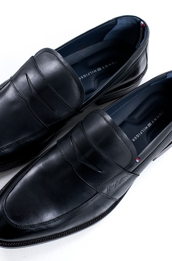SIGNATURE SMOOTH LEATHER  LOAFER-hover