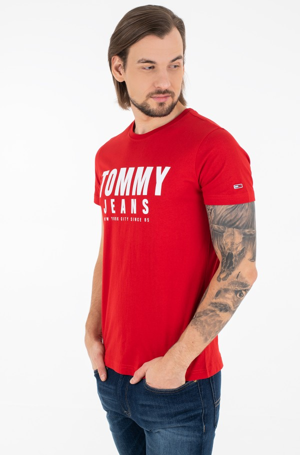 TJM CENTER CHEST TOMMY GRAPHIC