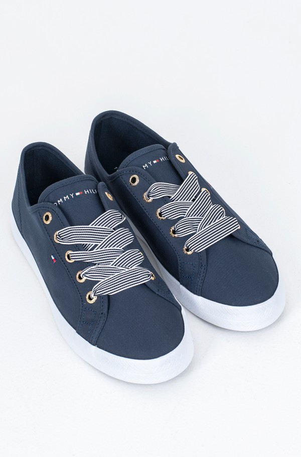 ESSENTIAL NAUTICAL SNEAKER