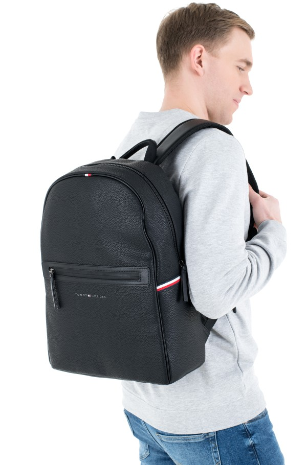 ESSENTIAL PU BACKPACK