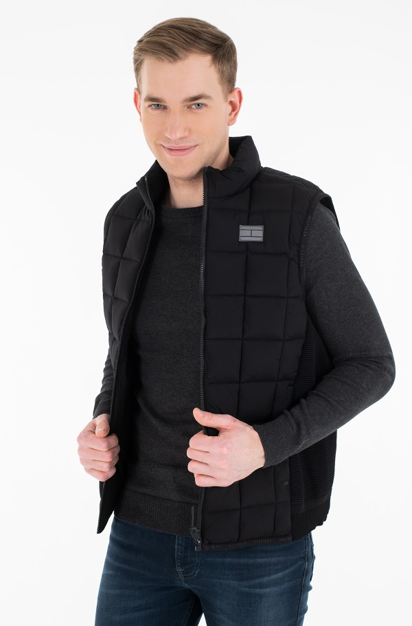 MODERN ESSENTIALS VEST