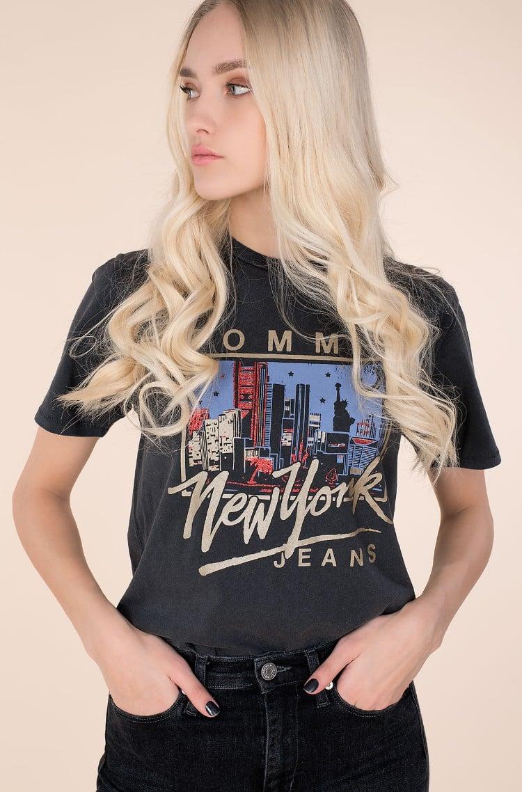 Tommy Jeans Ladies Tshirt Size XS 6-8 Bargain