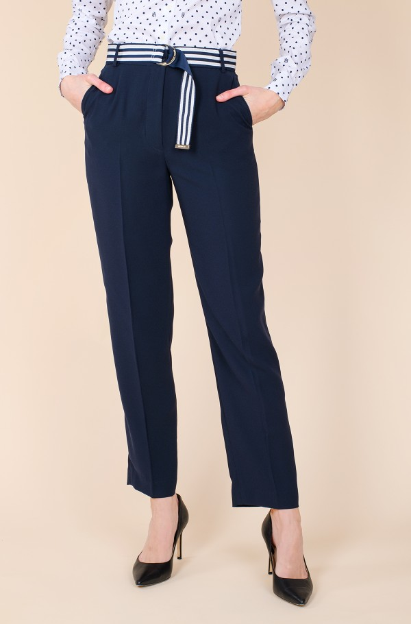 CREPE BELTED TAPERED ANKLE PANT