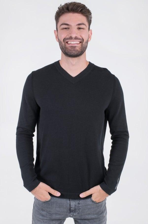 MICRO BRANDING V-NECK SWEATER