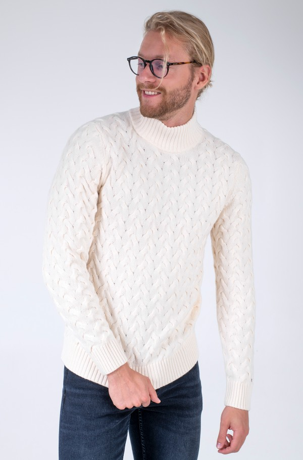 MODERN CABLE MOCK NECK
